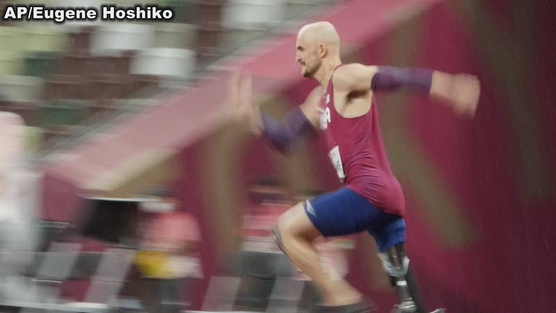 Sam Grewe wins gold in high jump T63 at the Tokyo Paralympics.