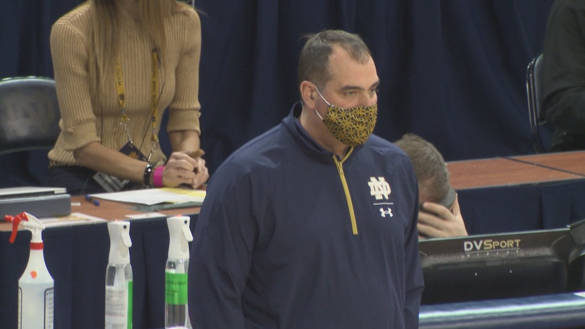 Rob Balanis coaches the Irish on the sidelines at Purcell Pavilion.