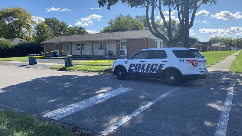 Officers were dispatched to a call for a shooting in the 600 block of East 10th Street.