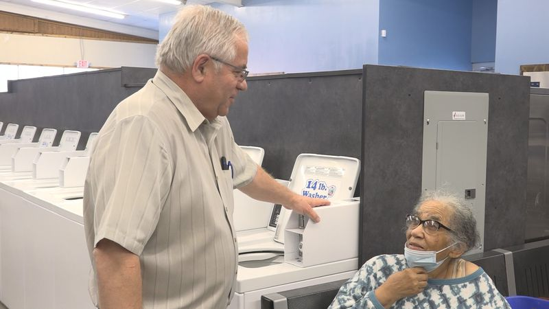 Local laundromat is giving back to the community