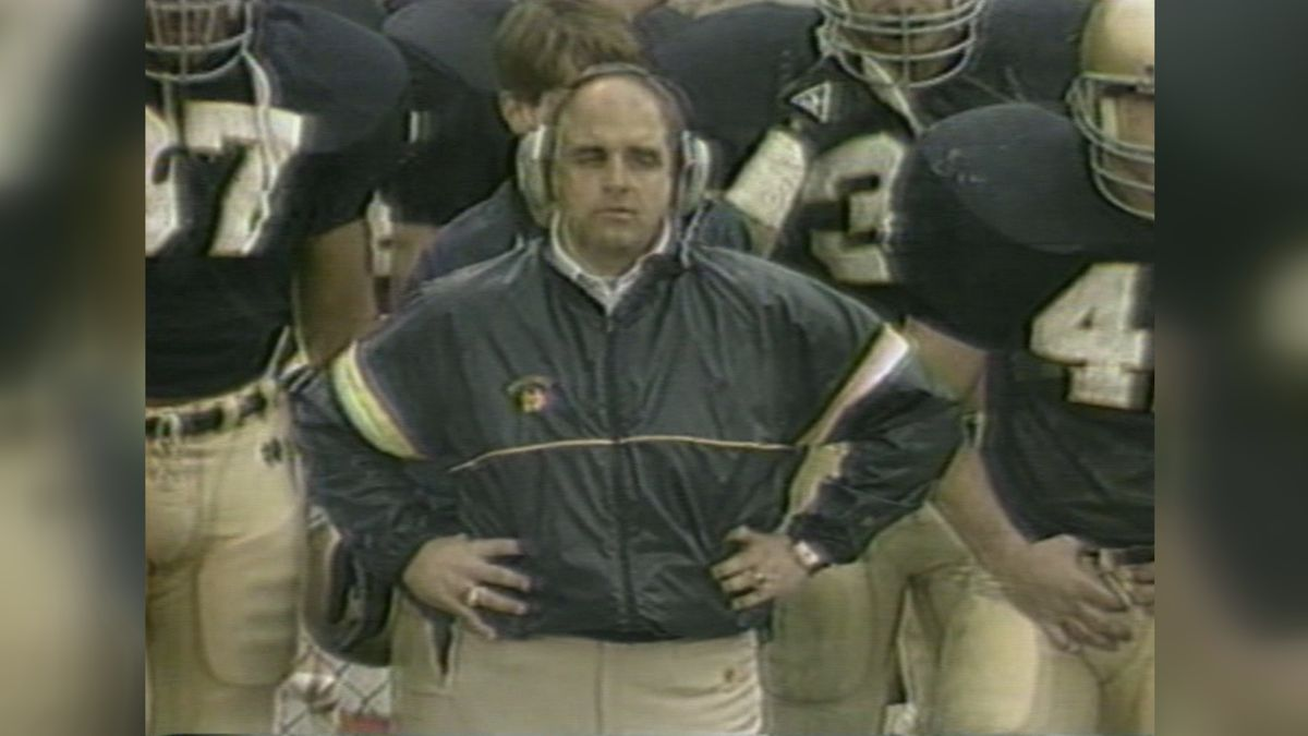 Barry Alvarez on the sidelines as the Notre Dame defensive coordinator.