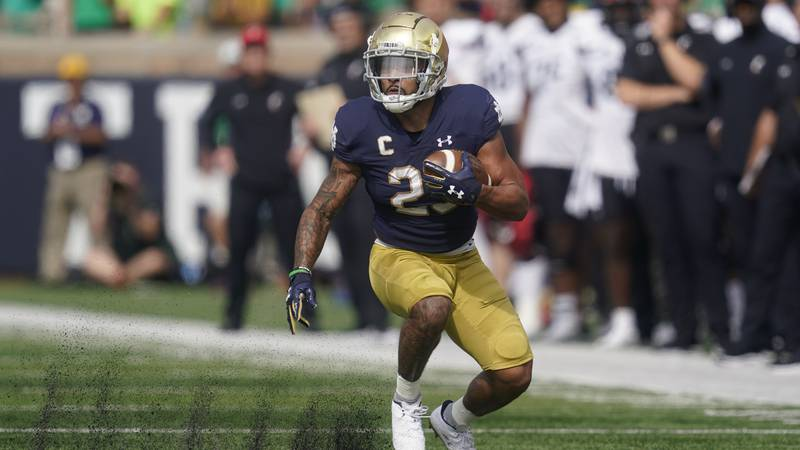 Notre Dame's Kyren Williams (23) runs during the first half of an NCAA college football game...