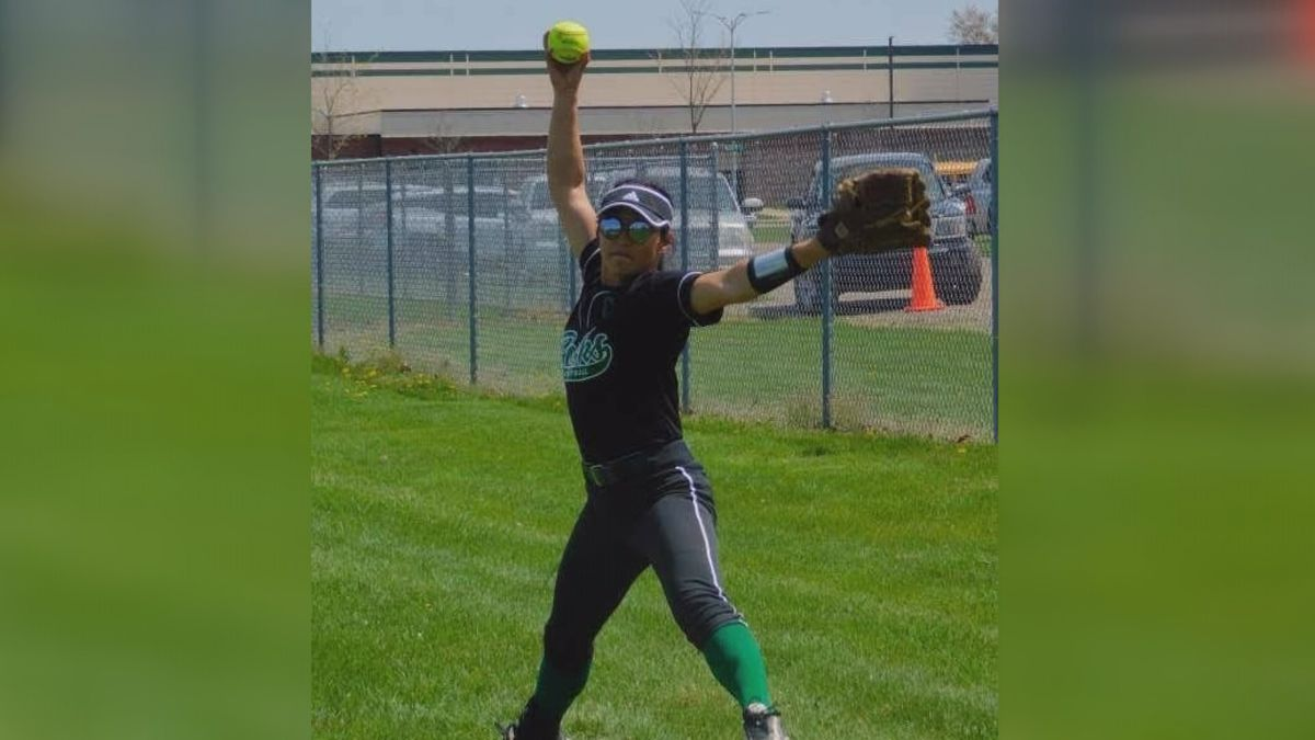 Berrien Springs Emily Knight Is Proud To Be First Member From Family To Attend College