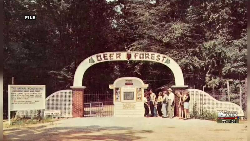 It was an iconic zoo and amusement park in Coloma.