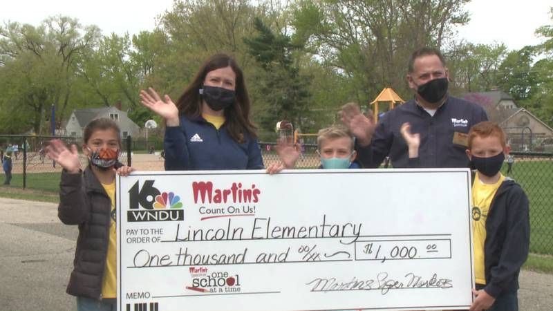 This month, Martin's presented Lincoln Elementary in St. Joseph, Michigan with a $1,000 grant.