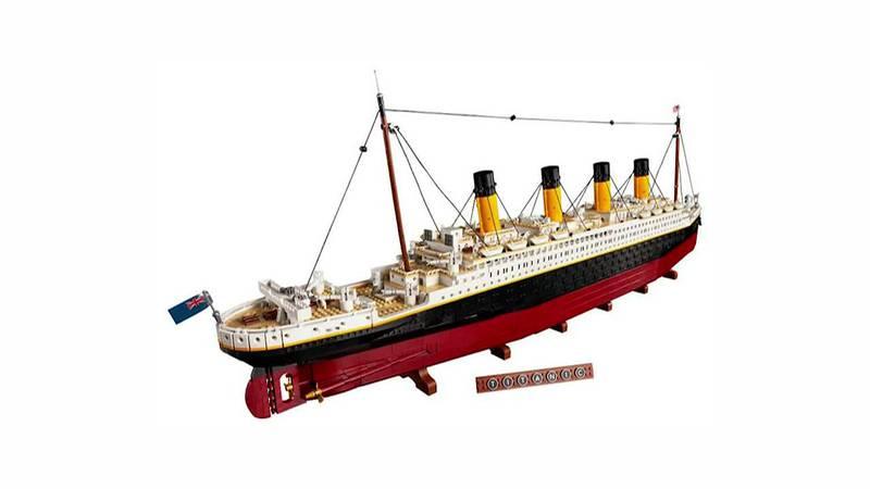 Lego unveils 9090-piece Titanic set.