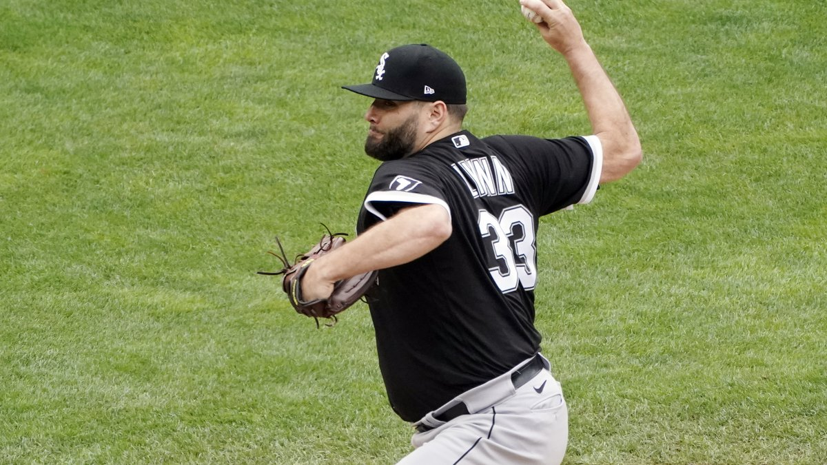 Chicago White Sox pitcher Lance Lynn throws against the Minnesota Twins in the first inning of...