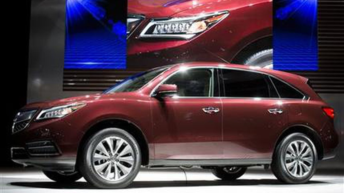 FILE - This is a March 27, 2013, file photo showing the 2014 Acura MDX during the 2013 New...