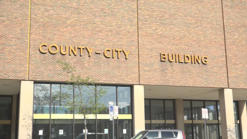 At a meeting Tuesday night, the St. Joseph County Council voted 7-2 to extend the face mask...