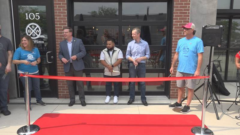 Ribbon cutting ceremony at South Bend Brew Werks