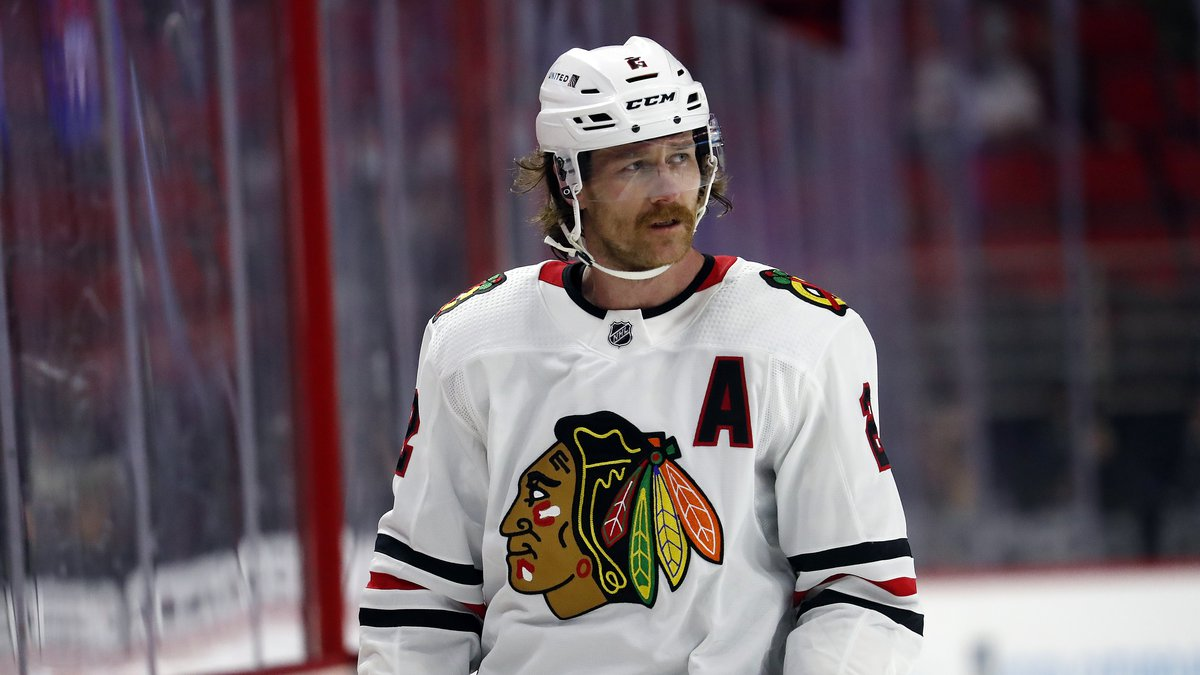 Chicago Blackhawks' Duncan Keith (2) waits for a face-off against the Carolina Hurricanes...