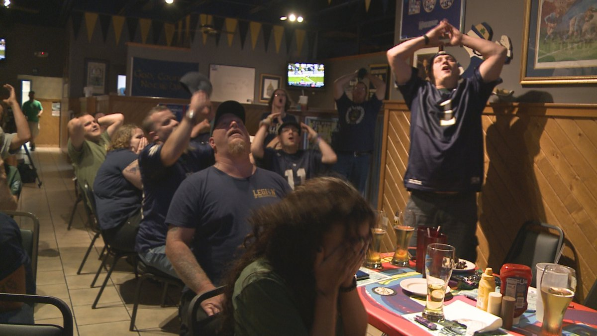 Notre Dame fans enjoy watch party at Taphouse on the Edge Sunday night.